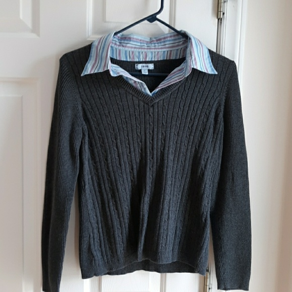 Izod Sweaters - Izod gray sweater with collared insert